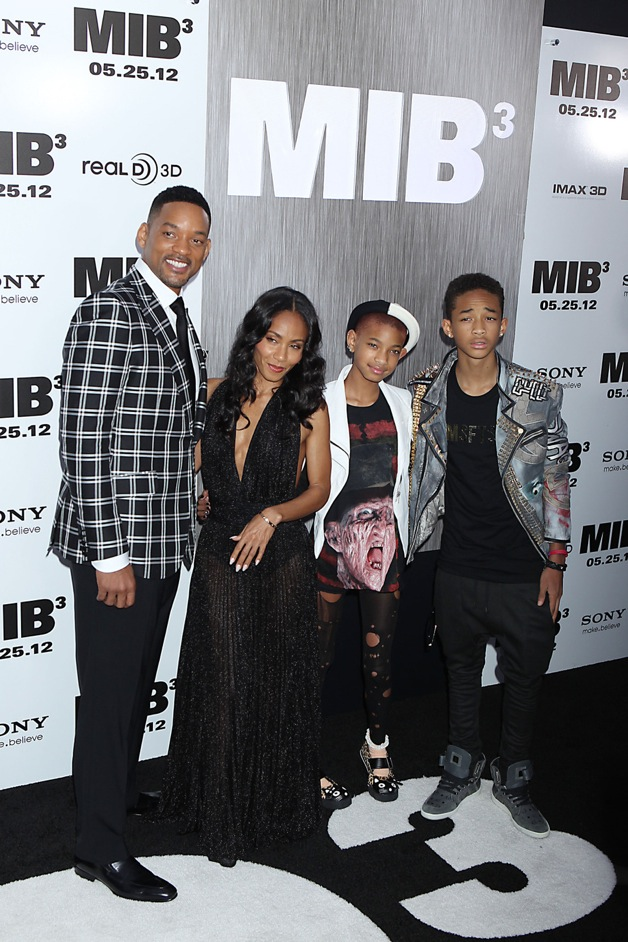 Will Smith, Jada Pinkett Smith, Jayden Smith, and Willow Smith attend the premiere of 'Men in Black 3' at the Ziegfeld Theater in New York