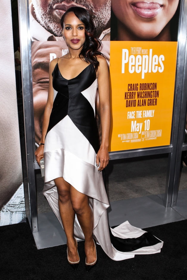 Kerry Washington attends the premiere of 'Peeples' presented by Lionsgate Film and Tyler Perry at ArcLight Cinemas in Hollywood