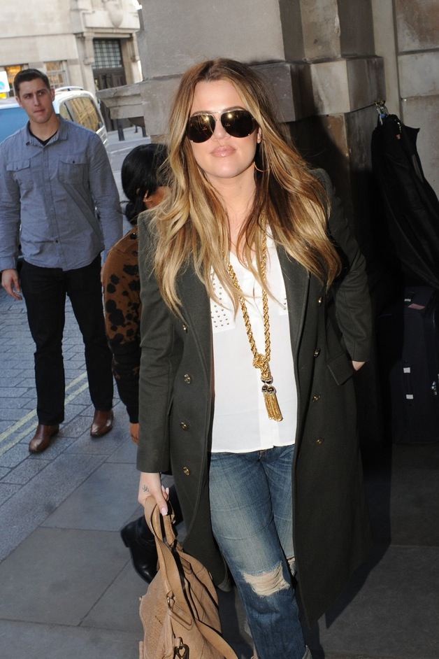 Khloe Kardashian arrives at her London Hotel with an extensive collection of suitcases