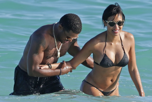 Maxwell and Julissa Bermudez have a playful afternoon on Miami Beach