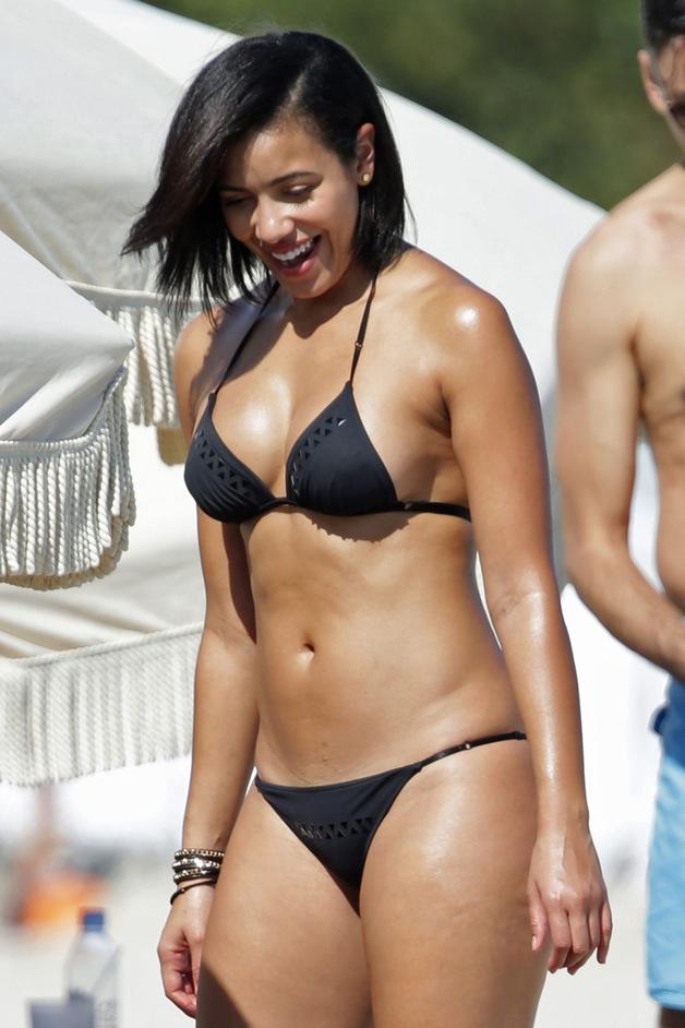 English:Julissa Bermudez Black Bikini Miami January 26, 2014