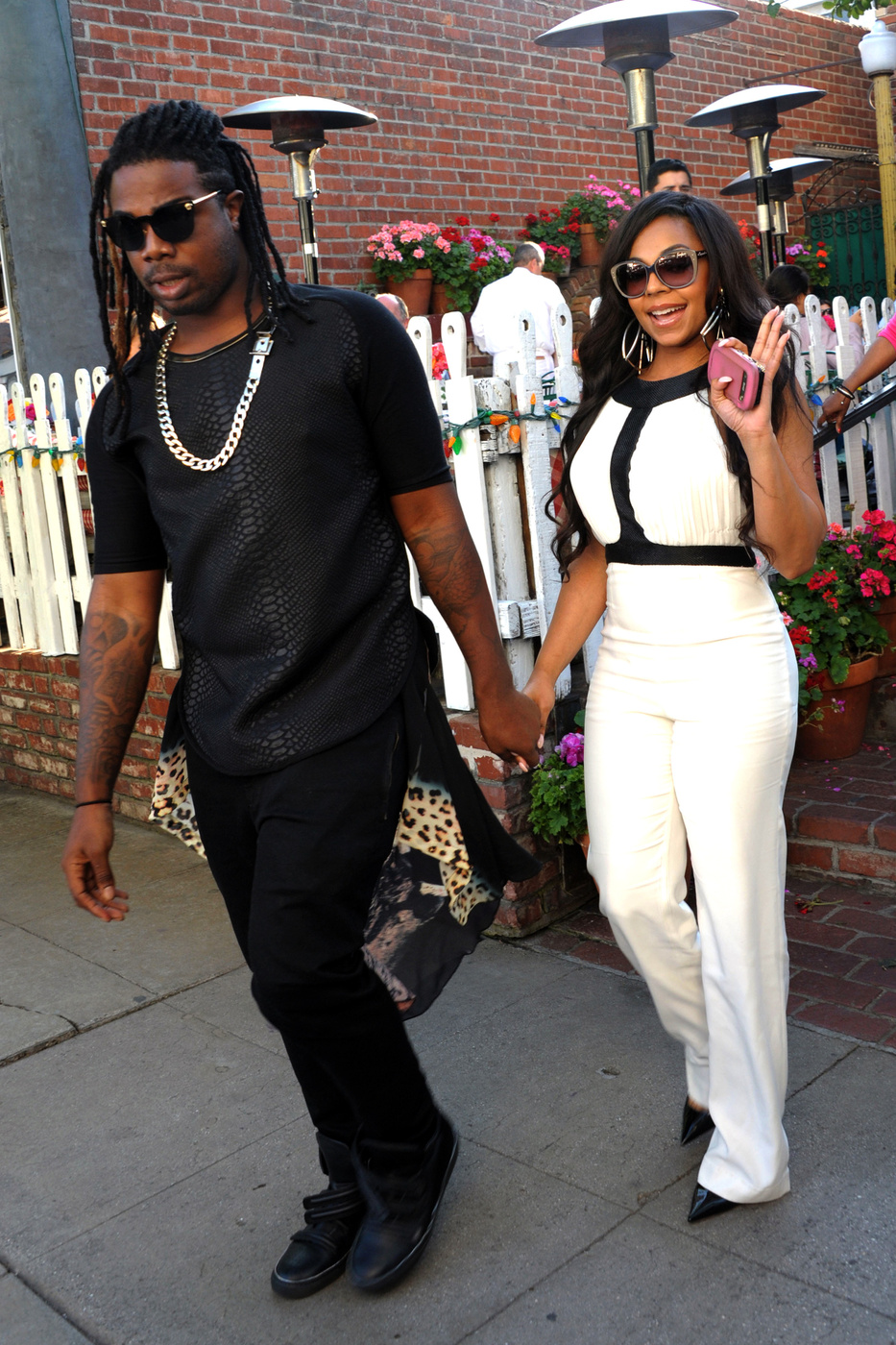 Rumor Control: Is Ashanti Really Dating Her Stylist ...