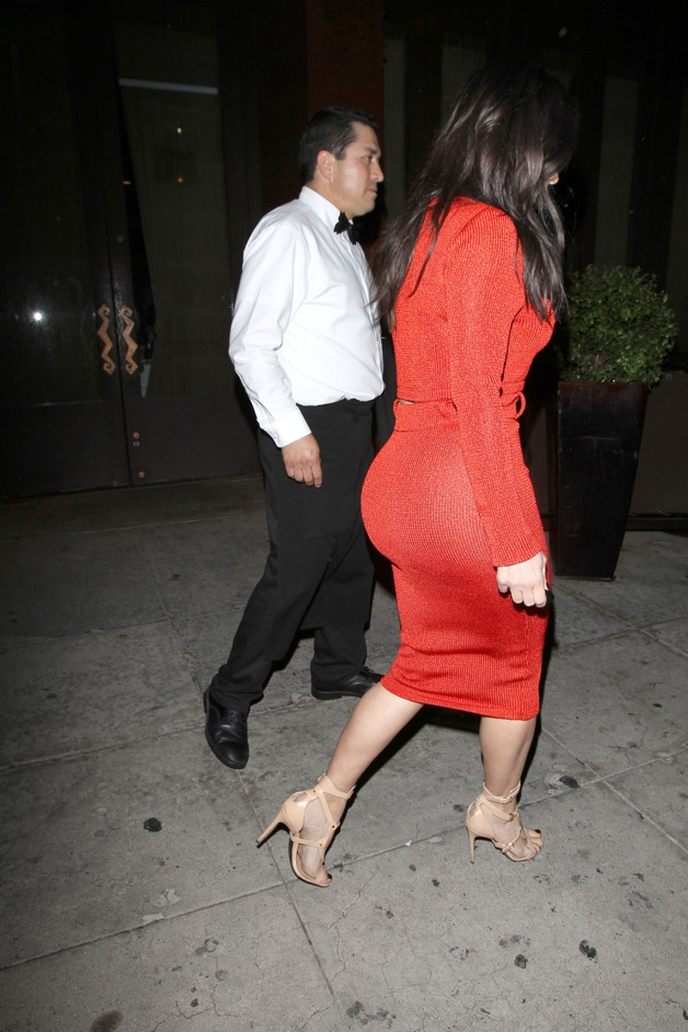 Kim Kardashian dines with Brittny Gastineau at Crustacean in Beverly Hills.