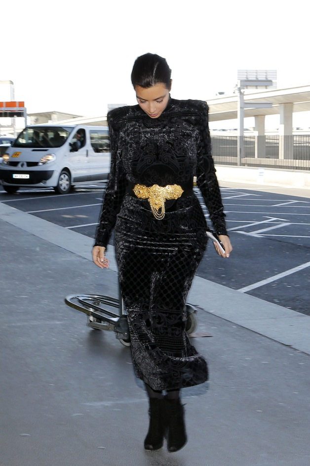 Kim Kardashian seen in all black arrives at Paris airport