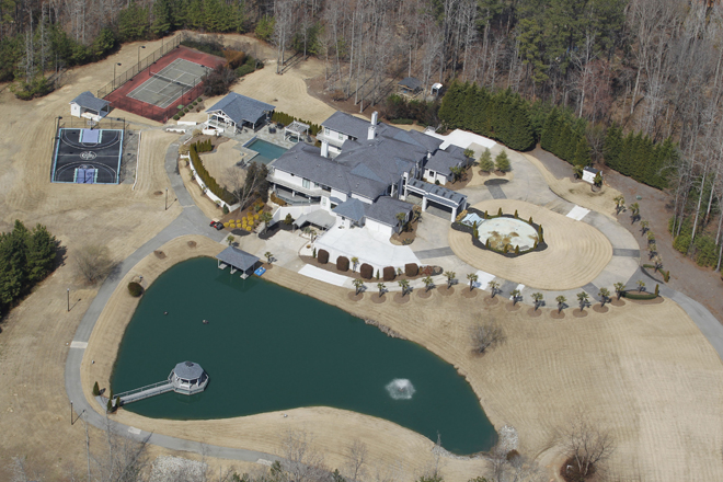 HIP HOP HOUSES - Ludacris lives in this massive multimillion dollar estate in Atlanta