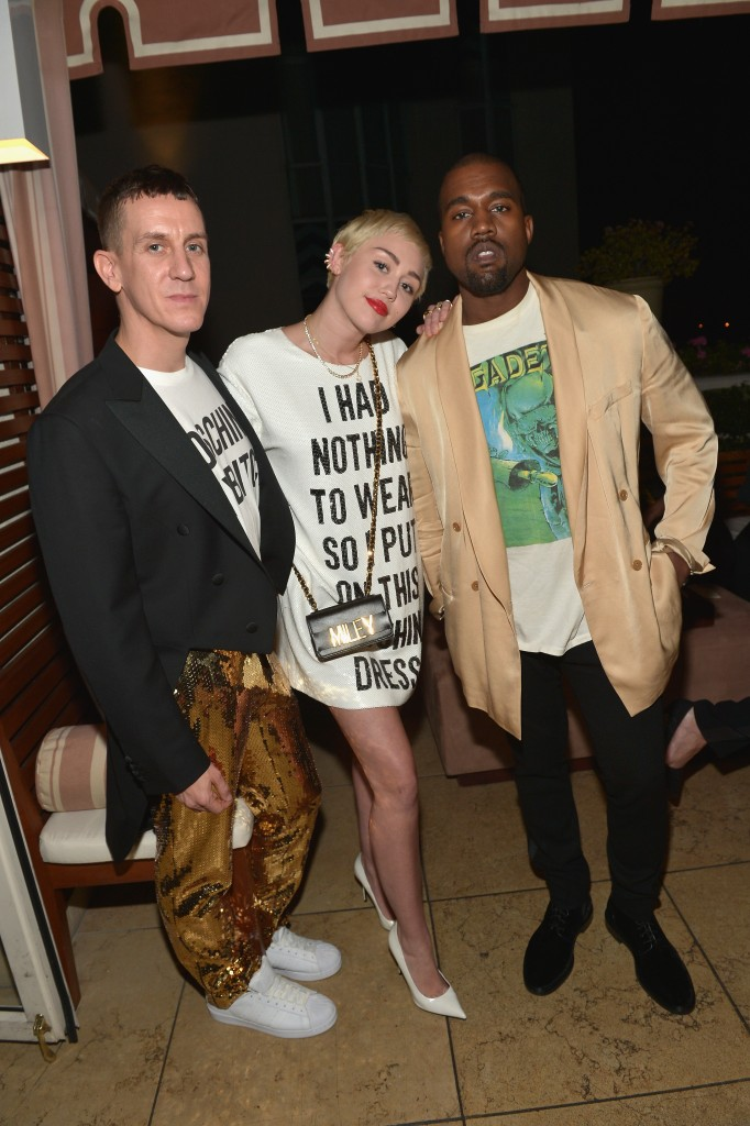 "WEST HOLLYWOOD, CA - JANUARY 22:  (L-R) Honoree Jeremy Scott, recording artists Miley Cyrus and Kanye West attend The DAILY FRONT ROW ""Fashion Los Angeles Awards"" Show at Sunset Tower on January 22, 2015 in West Hollywood, California.  (Photo by Charley Gallay/Getty Images for the DAILY FRONT ROW)"