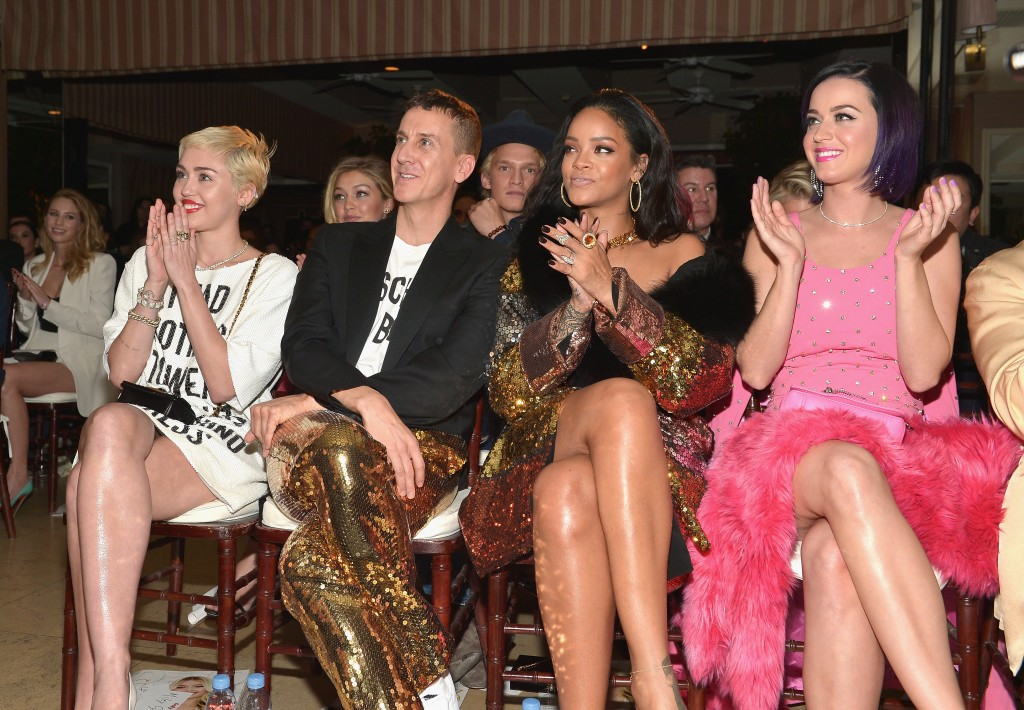 """WEST HOLLYWOOD, CA - JANUARY 22:  (L-R) Recording artists Miley Cyrus, honoree Jeremy Scott, recording artists Rihanna and Katy Perry attend The DAILY FRONT ROW """"Fashion Los Angeles Awards"""" Show at Sunset Tower on January 22, 2015 in West Hollywood, California.  (Photo by Charley Gallay/Getty Images for the DAILY FRONT ROW)"""