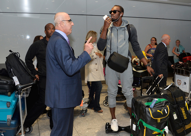 141754, Athlete Usain Bolt arrives atHS from Beijing. London, United Kingdom - Monday August 31, 2015. UK, FRANCE, AUS, NZ, CHINA, HONG KONG, TAIWAN, SPAIN & ITALY OUT Photograph: © i-Images, PacificCoastNews. Los Angeles Office: +1 310.822.0419 sales@pacificcoastnews.com FEE MUST BE AGREED PRIOR TO USAGE