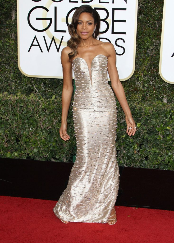160681, Naomie Harris attends The 74th Annual Golden Globe Awards. Los Angeles, California - Sunday January 8 2017. Photograph: © PacificCoastNews. Los Angeles Office (PCN): +1 310.822.0419 UK Office (Photoshot): +44 (0) 20 7421 6000 sales@pacificcoastnews.com FEE MUST BE AGREED PRIOR TO USAGE