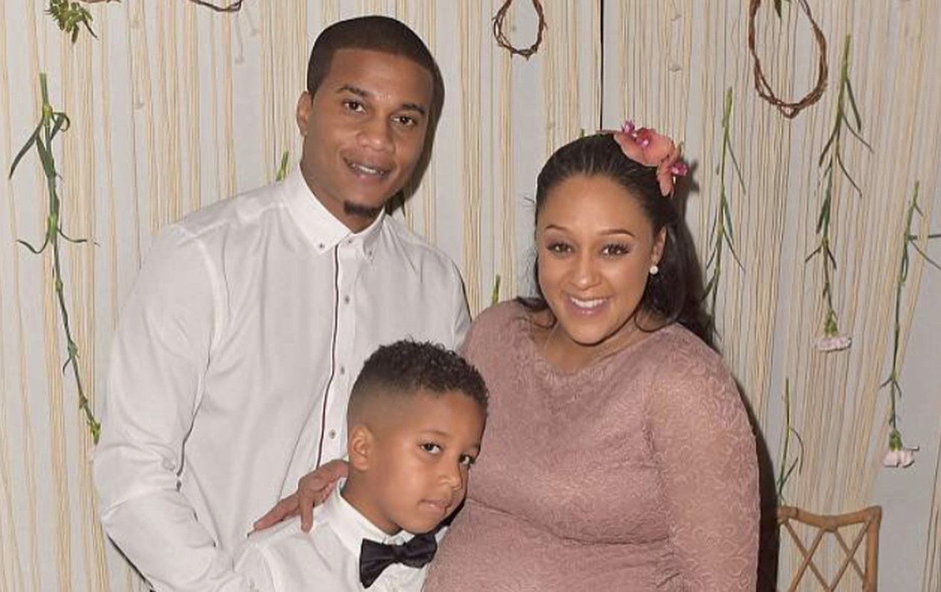 d3d61e652674 Bohemian Beauty! These Pics From Tia Mowry s Baby Shower Will Have ...