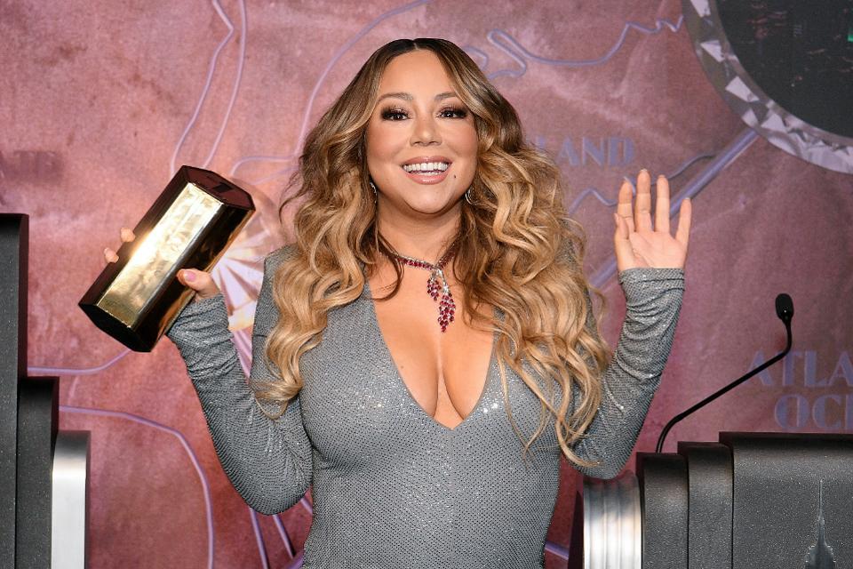 Mariah-carey-hand-washing