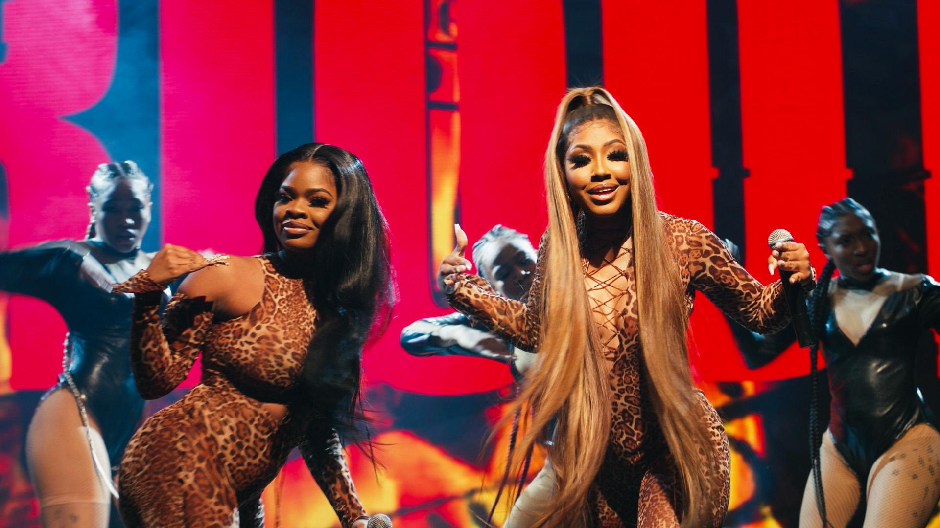 bet-hip-hop-awards-city-girls